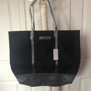 Brand new Abeo tote with inside zipper pocket